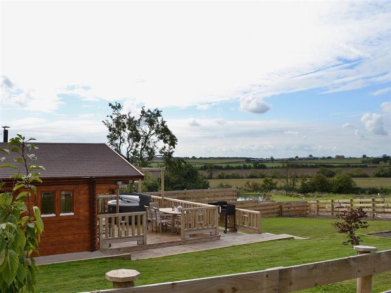 Elderflower Lodge in Stoulton, nr. Malvern - sleeps 4 people