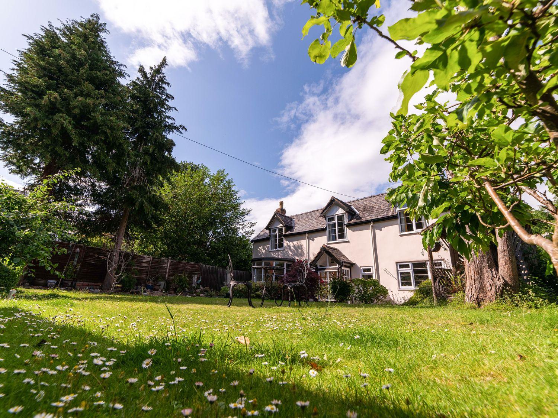 Eleri Cottage in Malvern - sleeps 7 people