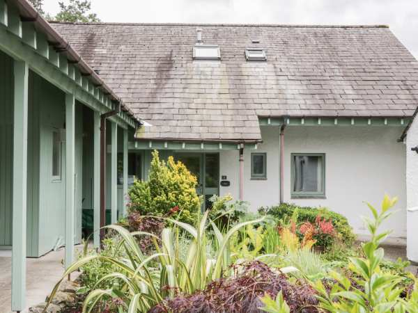Elm - Woodland Cottages in Bowness-on-Windermere - sleeps 10 people