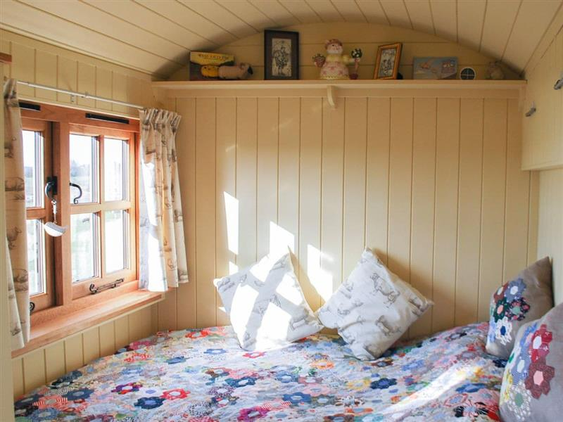 Elsies Hut in Hassocks - sleeps 2 people