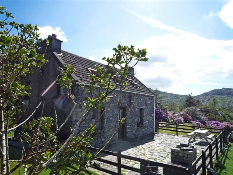 Eskadour Cottage in Near Lauragh, County Kerry - sleeps 4 people