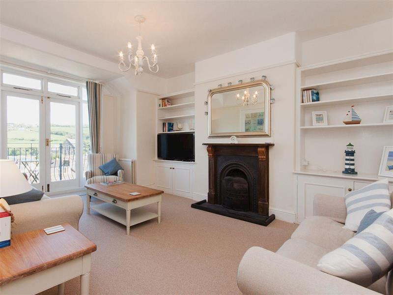 Estuary View, 8A Devon Road in Salcombe - sleeps 7 people