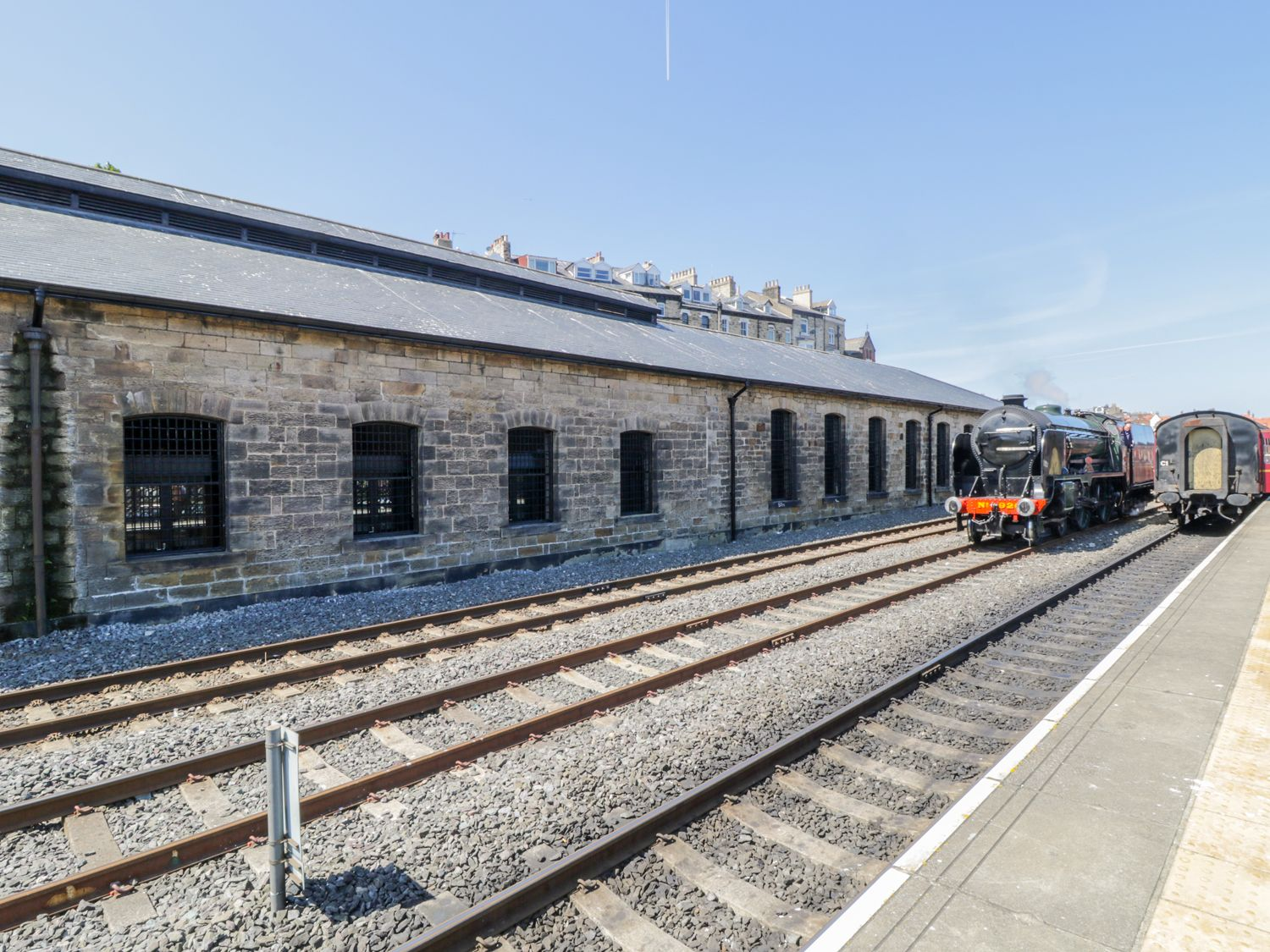 Evening Star @ Engine Shed in Whitby - sleeps 4 people