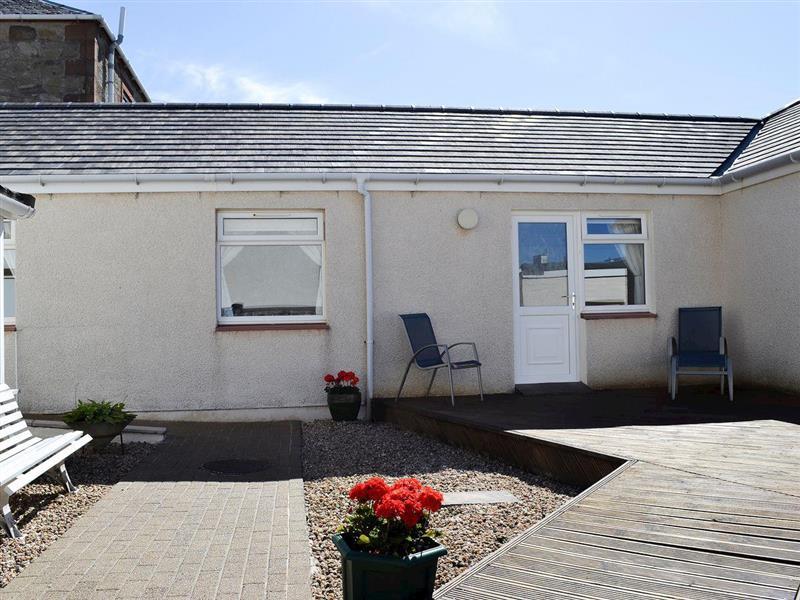 Fairways Cottages - Number 2 in Prestwick - sleeps 3 people