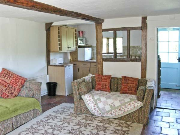Feather Cottage in Peasenhall - sleeps 2 people