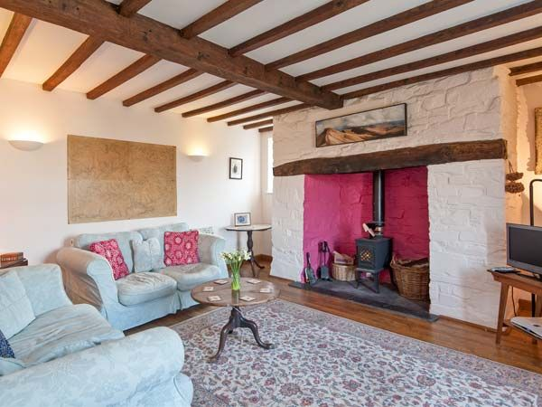 Fforest Fields Cottage in Hundred House - sleeps 6 people