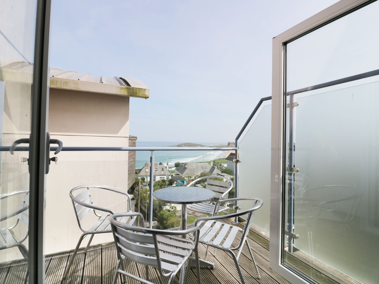 Fistral Outlook in Newquay - sleeps 6 people