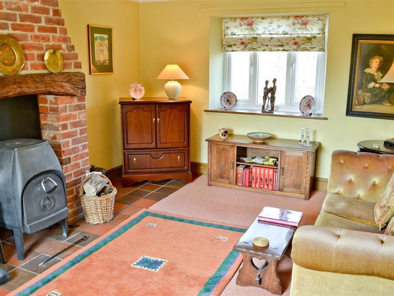 Folgate Cottage in Walsingham - sleeps 6 people