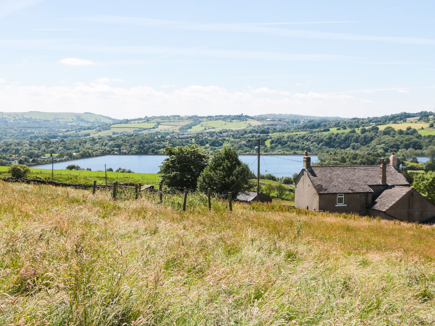 Game Keepers Cottage in Tintwistle - sleeps 8 people