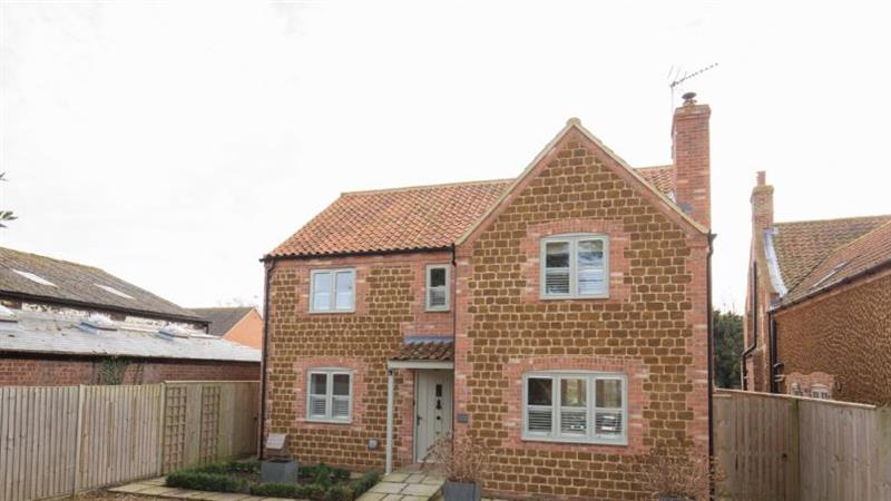 Garden Cottage (Heacham) in Heacham near Kings Lynn - sleeps 6 people