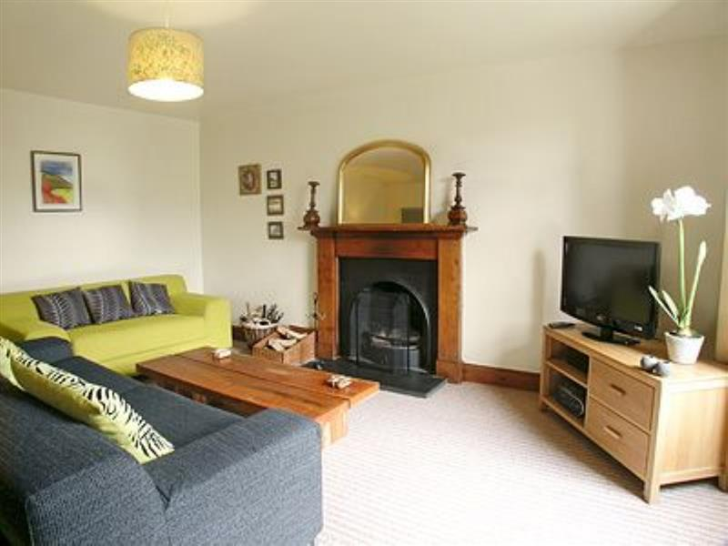 Garden Cottage in Aberfeldy, nr. Edinburgh - sleeps 6 people