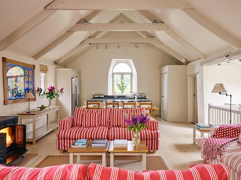 Garden House in Cornworthy - sleeps 8 people