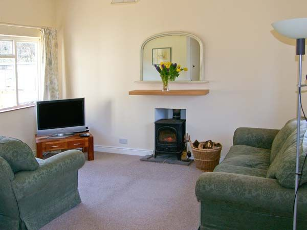 Gardener's Cottage in Llanwrthwl - sleeps 5 people