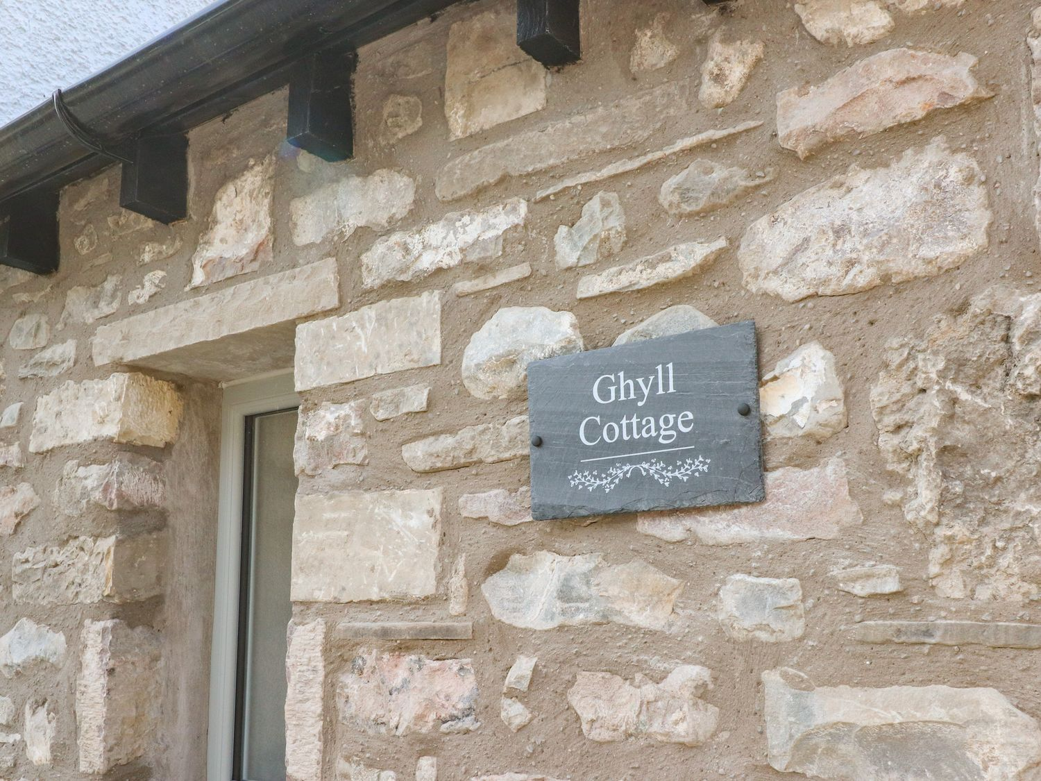 Ghyll Cottage in Leasgill near Milnthorpe - sleeps 6 people