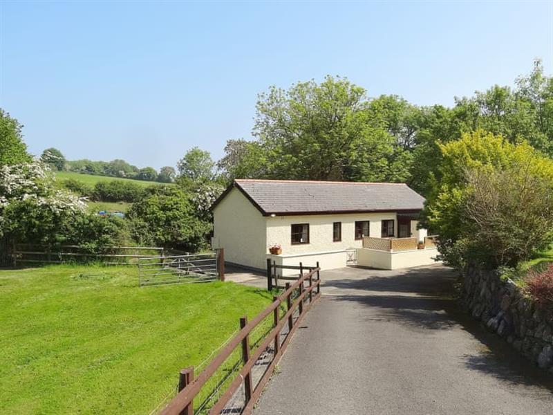 Glasinfryn Cottage in Llanbedrgoch, near Benllech, Anglesey - sleeps 2 people