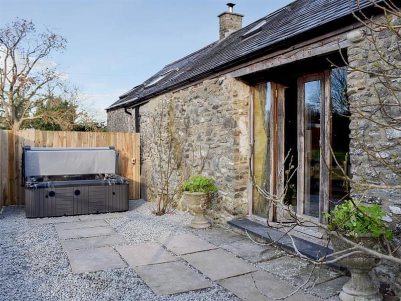 Glovers Cottage in Near Llanrhystud, Cardigan - sleeps 3 people