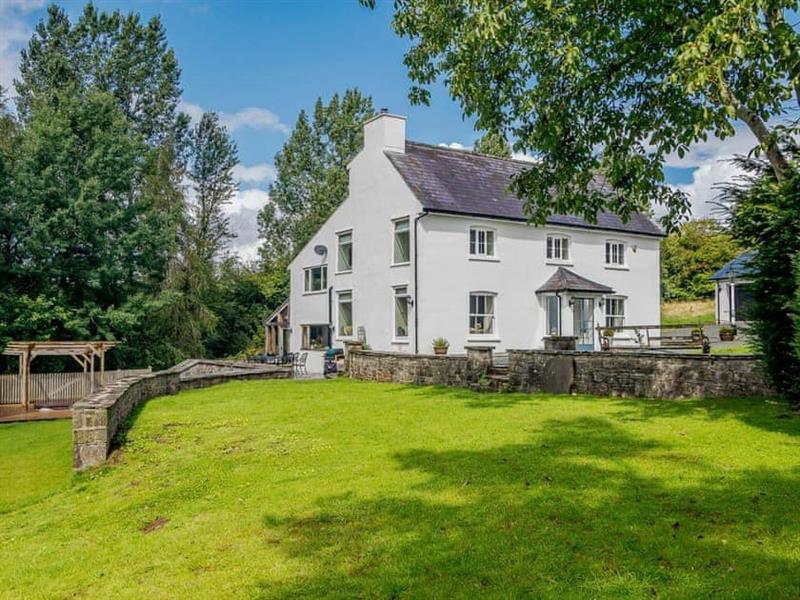 Gludy House in Cradoc, near Brecon, Brecon - sleeps 13 people