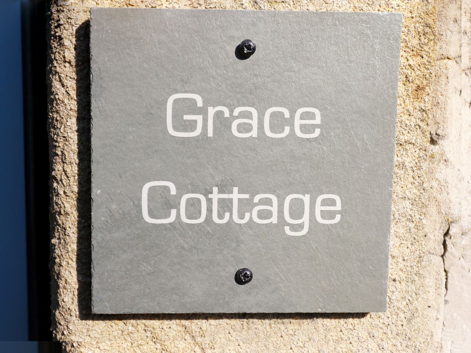 Grace Cottage in Tideswell - sleeps 4 people