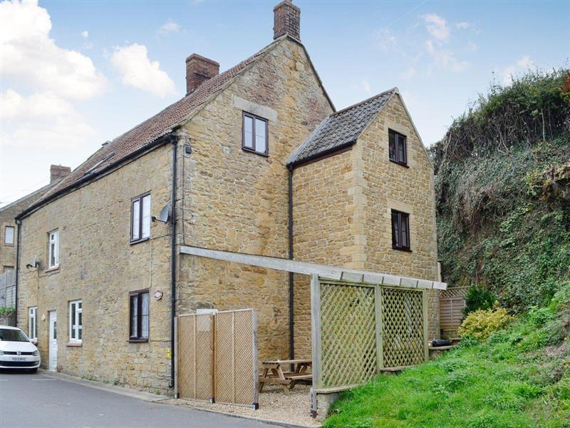 Granary Cottage in South Petherton - sleeps 4 people