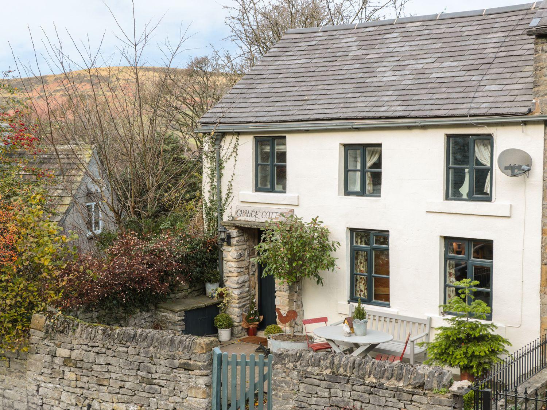 Grange Cottage in Castleton - sleeps 6 people