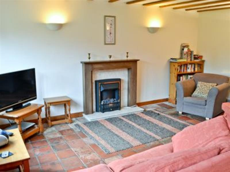 Green Farm - The Coach House in Plumstead Green, nr. Holt - sleeps 4 people