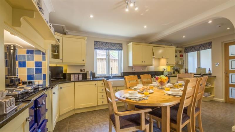 Grove House in Wells-next-the-Sea - sleeps 8 people