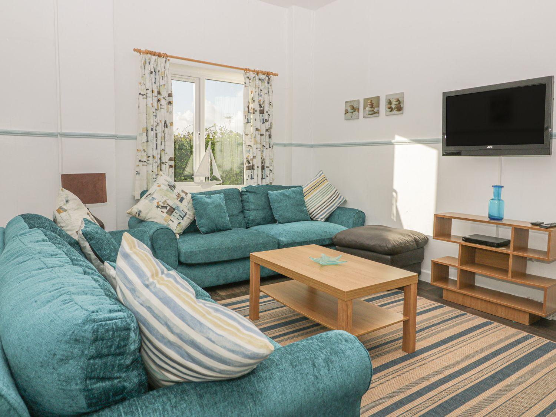 Gull Cottage in Tintagel - sleeps 6 people