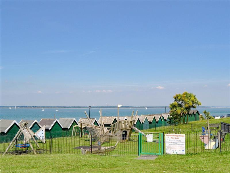 Gurnard Pines - 268 Gurnard Pines in Gurnard, near Cowes - sleeps 8 people