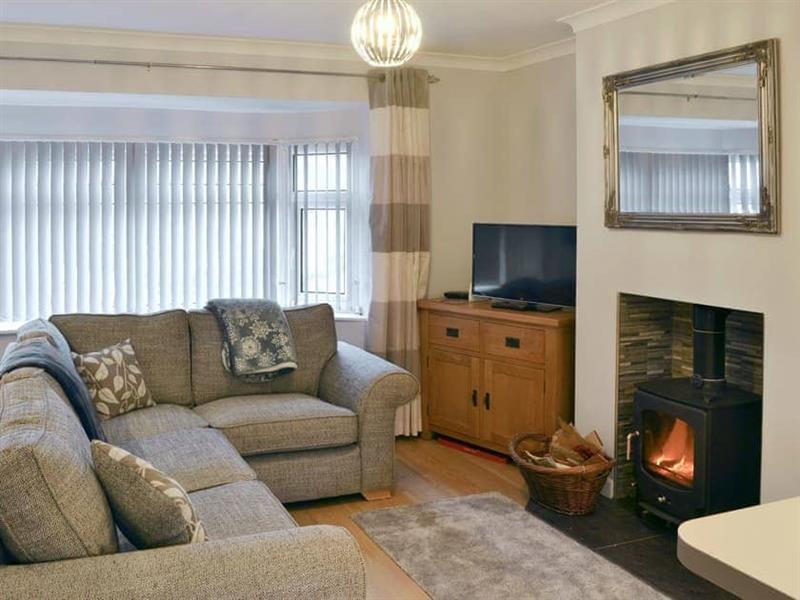 Hafod y Bryn in Benllech, near Llangefni, Anglesey - sleeps 4 people