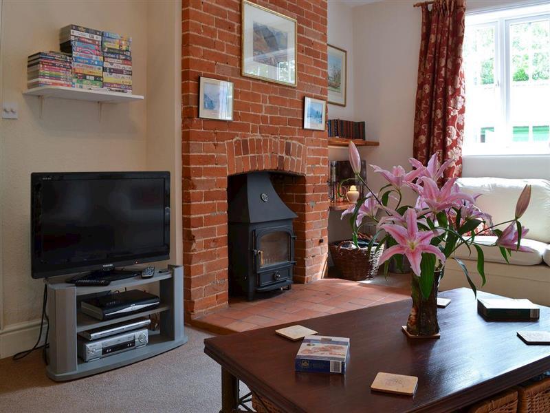 Hall Cottage in Gresham, near Sheringham - sleeps 10 people