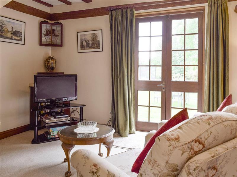 Hall Farm Cottages - Grooms Cottage in Sedgeberrow, near Evesham - sleeps 3 people