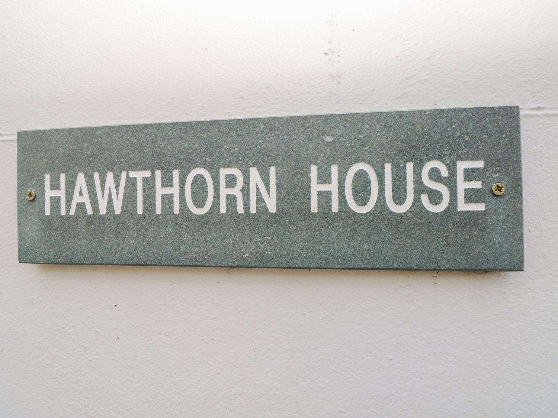 Hawthorn House in Pembroke - sleeps 6 people
