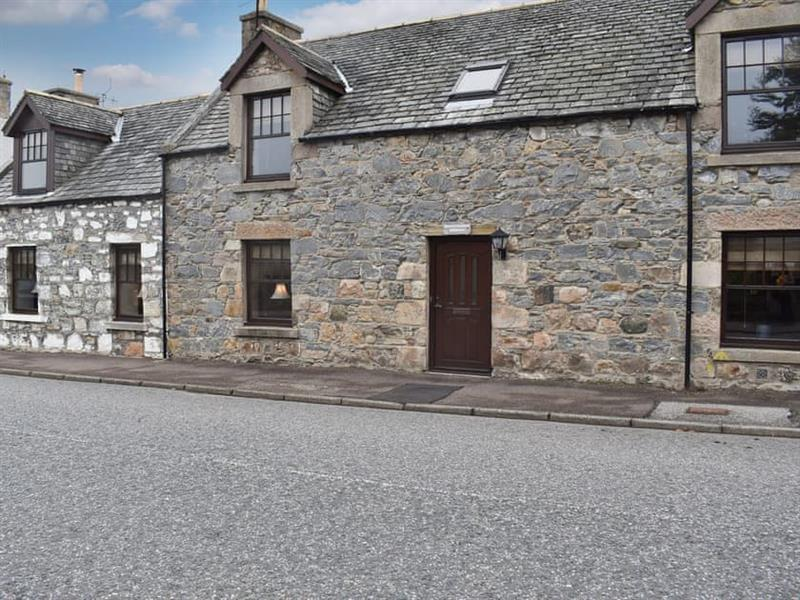 Hawthorn House in Tomintoul, near Grantown-on-Spey, Moray - sleeps 8 people