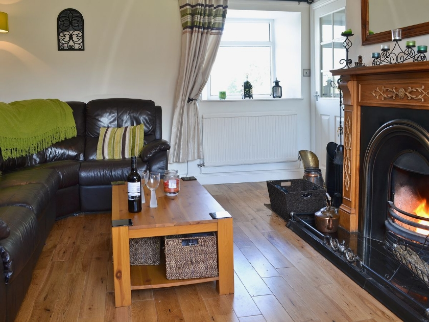 Hen Efail in Penysarn - sleeps 4 people