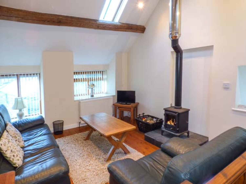 Hendoll Cottage 1 in Fairbourne near Dolgellau - sleeps 4 people