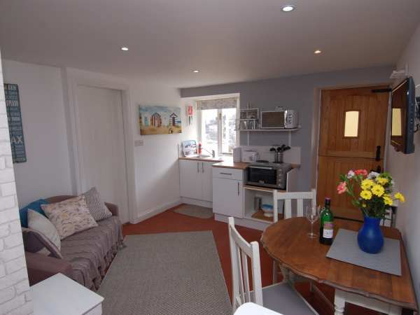 Hidden Treasure in Brixham - sleeps 2 people