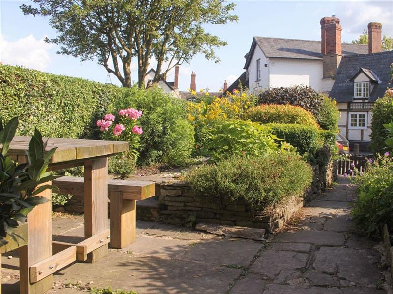 High Garden House in Eardisley, near Kington - sleeps 4 people