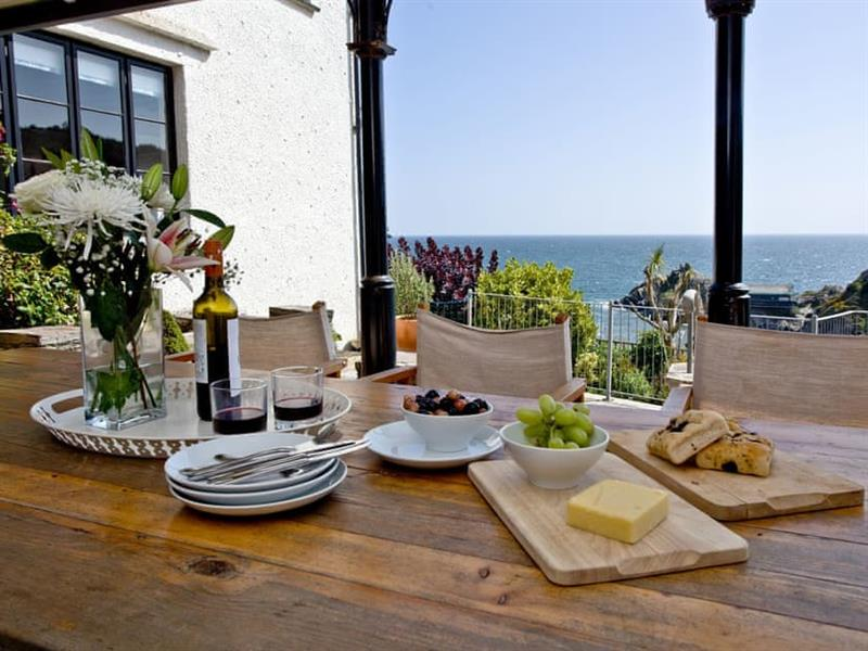 Higher Shute in Looe & Polperro - sleeps 8 people