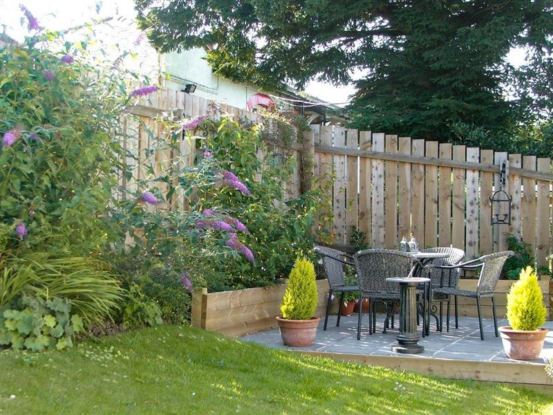 Hill View Cottage in Sleights, near Whitby - sleeps 4 people