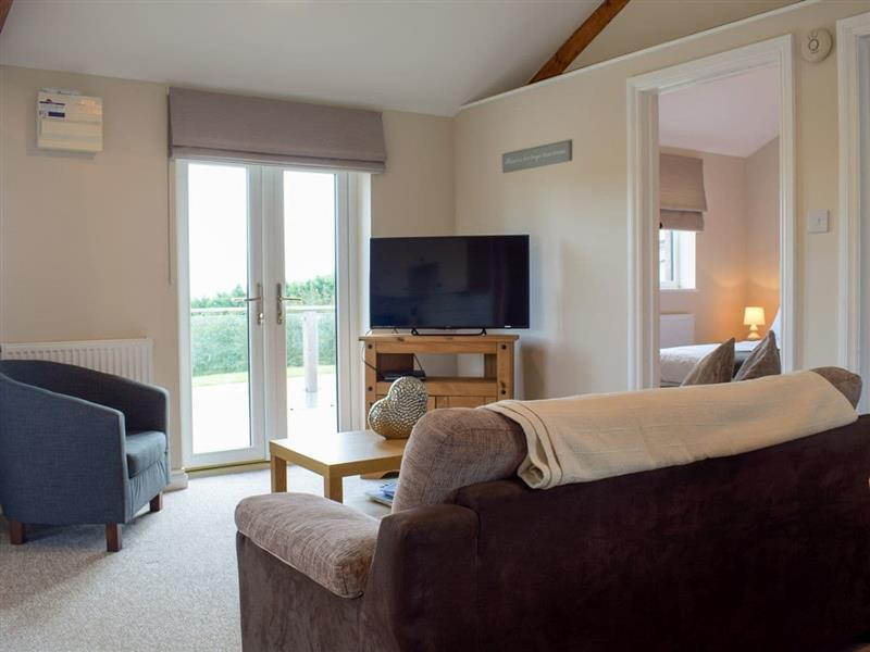 Hill View Lodges - Lodge 2 in Stottesdont, near Bridgnorth - sleeps 3 people
