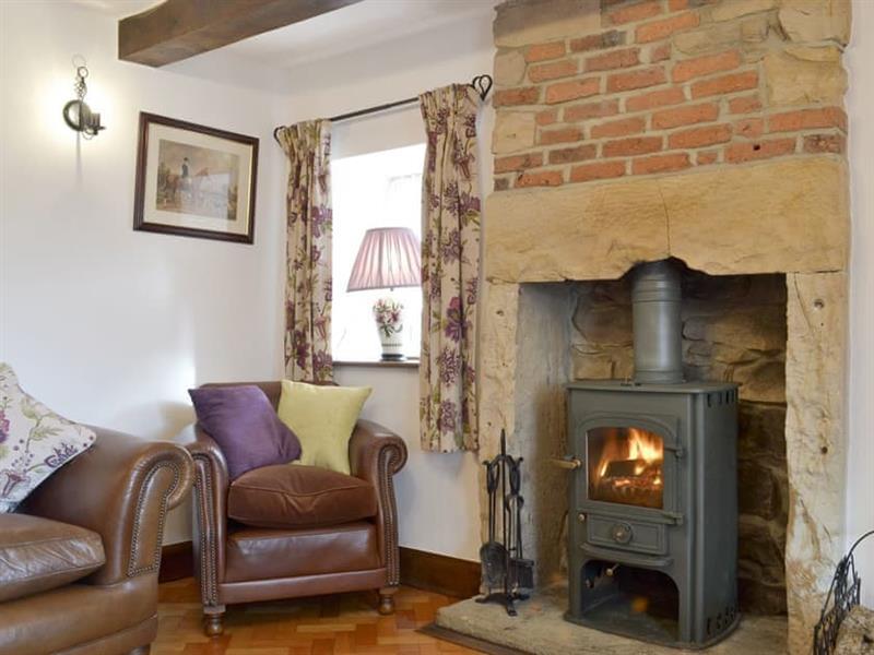 Hillside Cottage in North Wingfield, near Chesterfield - sleeps 6 people