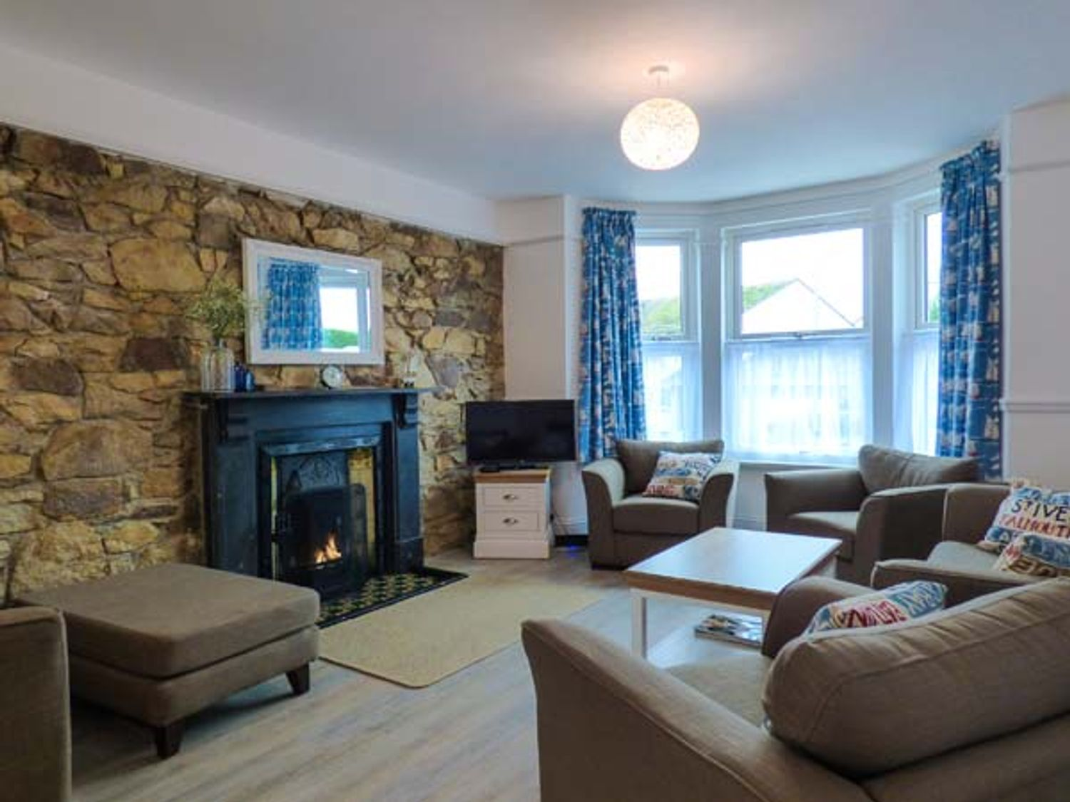 Hillview Cottage in St Columb Minor near Porth - sleeps 7 people