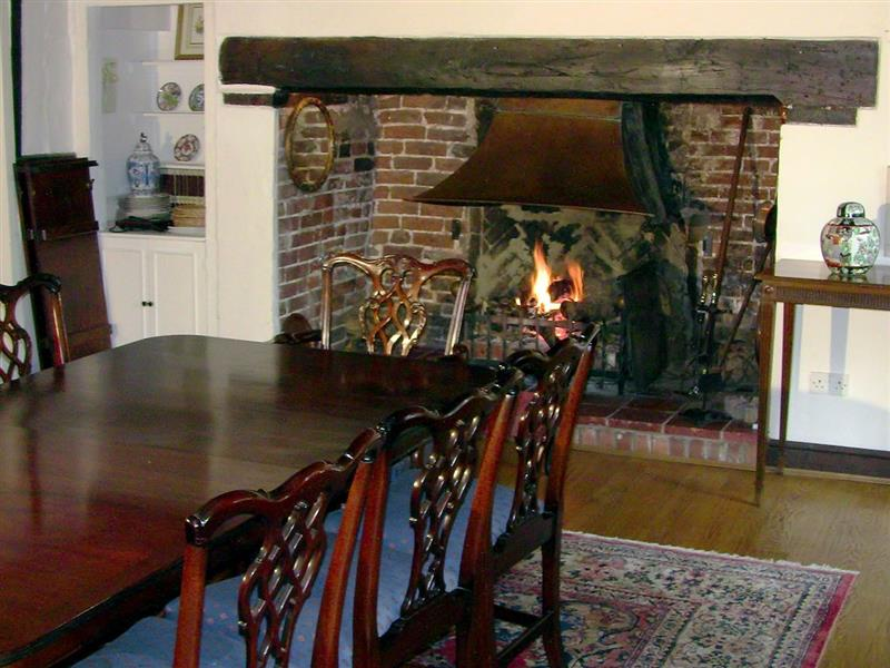 Hobbis House in Great Hautbois, nr. Coltishall - sleeps 8 people
