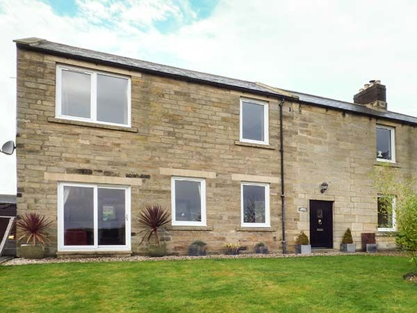 Holly Cottage in Warkworth - sleeps 6 people