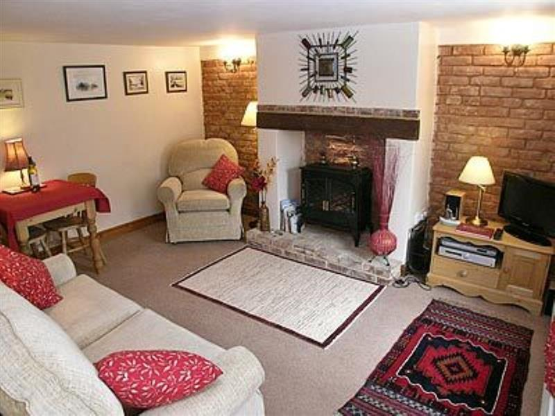 Hollyhocks Cottage in Docking - sleeps 4 people