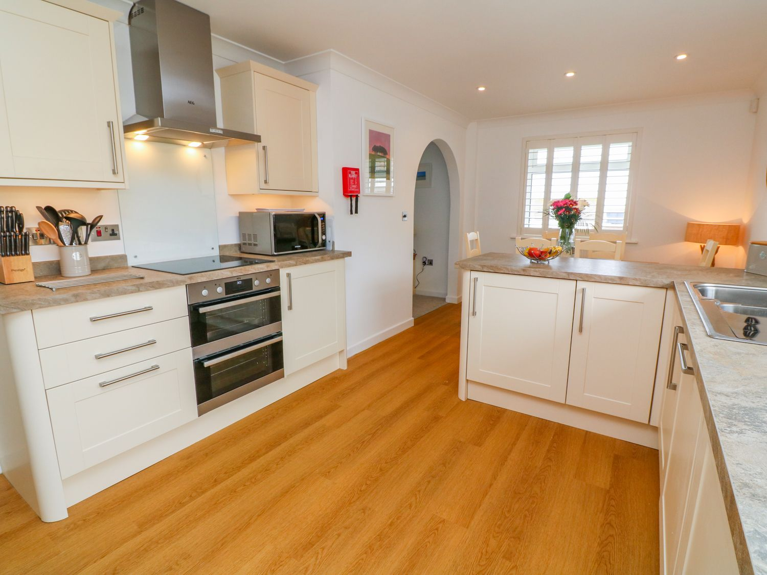 Holywell Bay View in Holywell Bay - sleeps 6 people