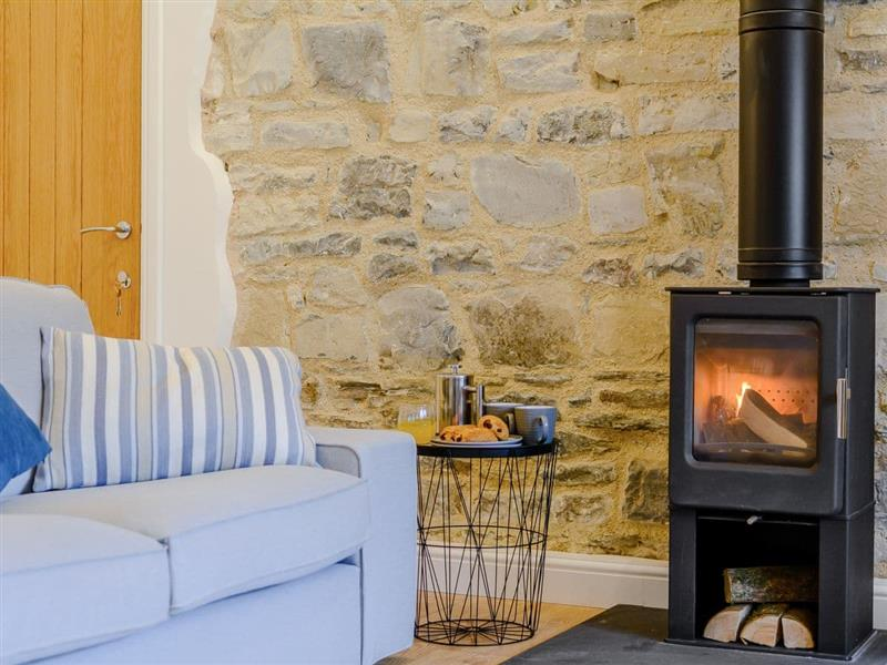 Home Farm Holiday Cottages - No 2 in Badgworth, near Axbridge - sleeps 2 people