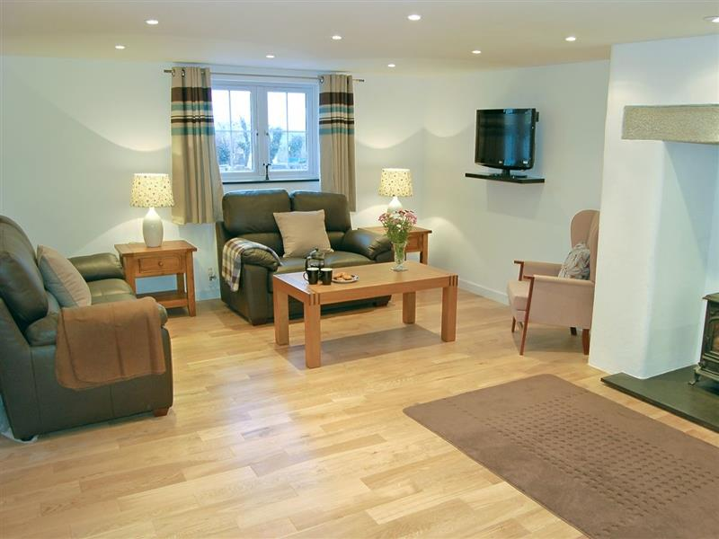 Home Park Cottages - Number One in Helstone, Camelford, Cornwall. - sleeps 6 people