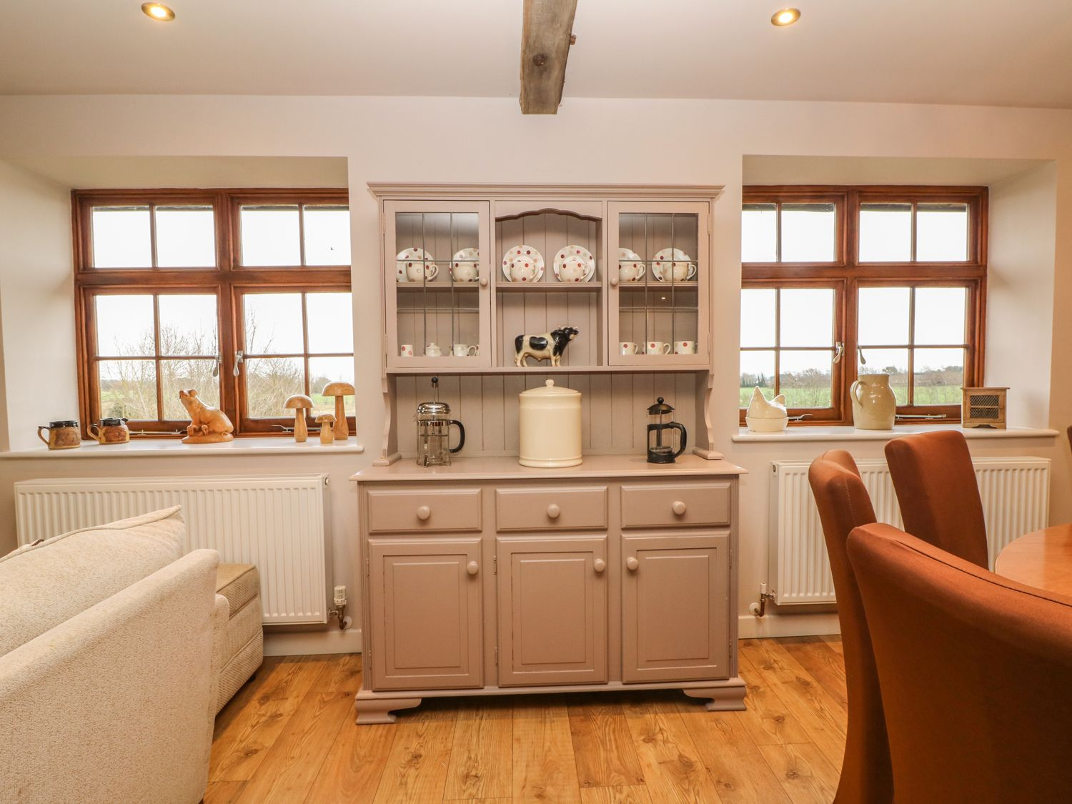 Hop House in Oad Street near Sittingbourne - sleeps 14 people