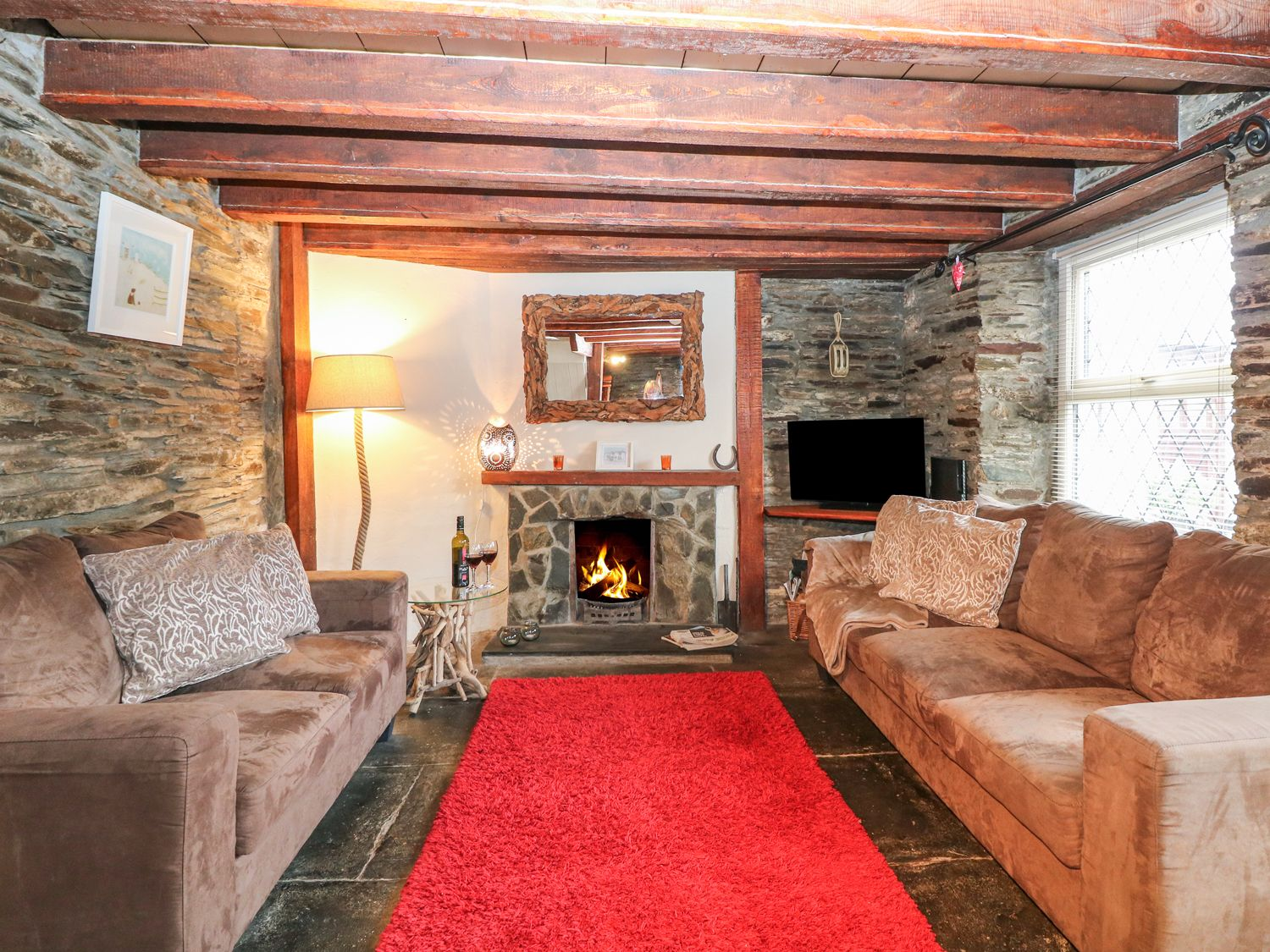 Horseshoe Cottage in Delabole - sleeps 4 people